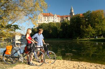 Donau_Schloss_Sigmaringen_Radler.jpg
