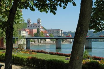 Passau_Uferpromenade.jpg