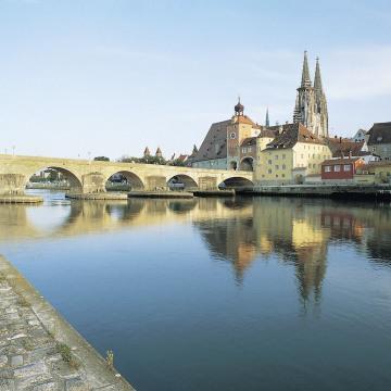 Regensburg_Brucke3.JPG