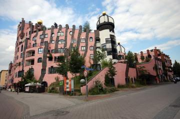 Elbe_Magdeburg_Grune_Zitadelle.jpg