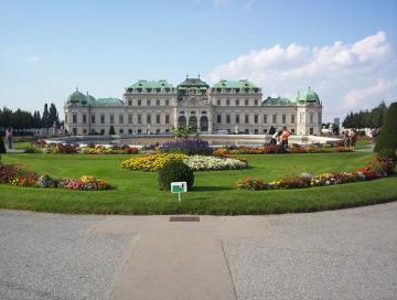 Schloss_Belvedere.jpg