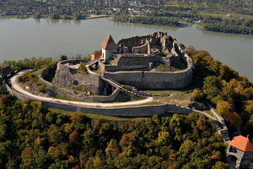 Donau_Wien_Budapest_Visegrad_Burganlage.jpg