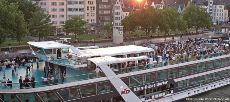Städtereisen nach Köln Samstag-Abend-Getränke-Flat auf dem Party ...